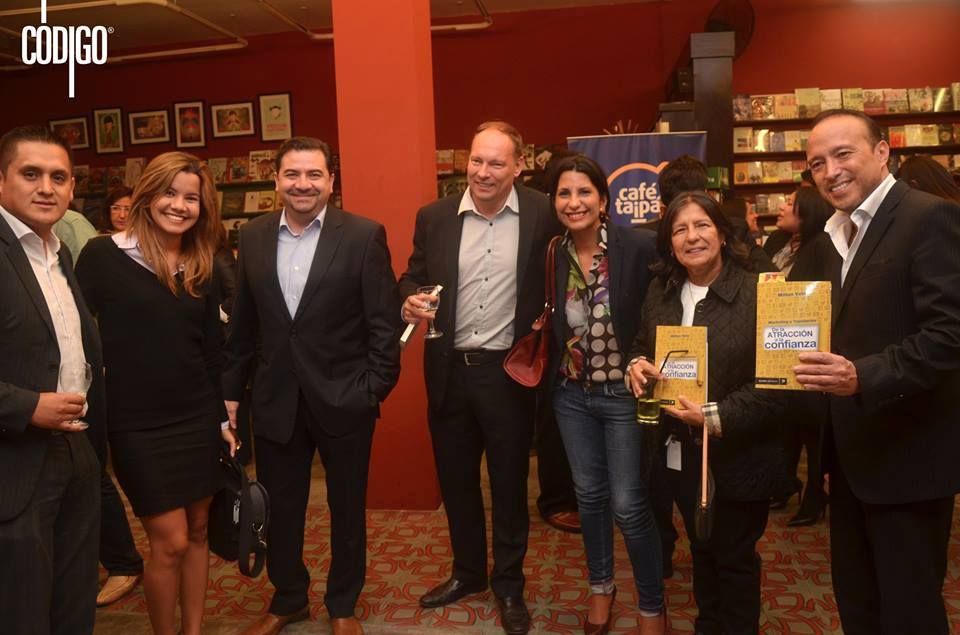 Presentacion_del_libro_taipa_marketing_y_reputacion_de_la_atraccion_a_la_confianza_de_Milton_Vela-Cafe_taipa_Peru_Consultores_en_Reputacion_y_marketing-Invitados_al_evento