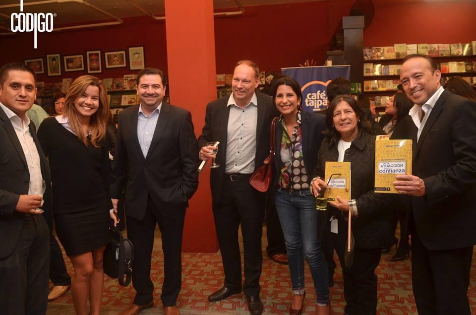 Presentacion_del_libro_taipa_marketing_y_reputacion_de_la_atraccion_a_la_confianza_de_Milton_Vela-Cafe_taipa_Peru_Consultores_en_Reputacion_y_marketing-Invitados_al_evento